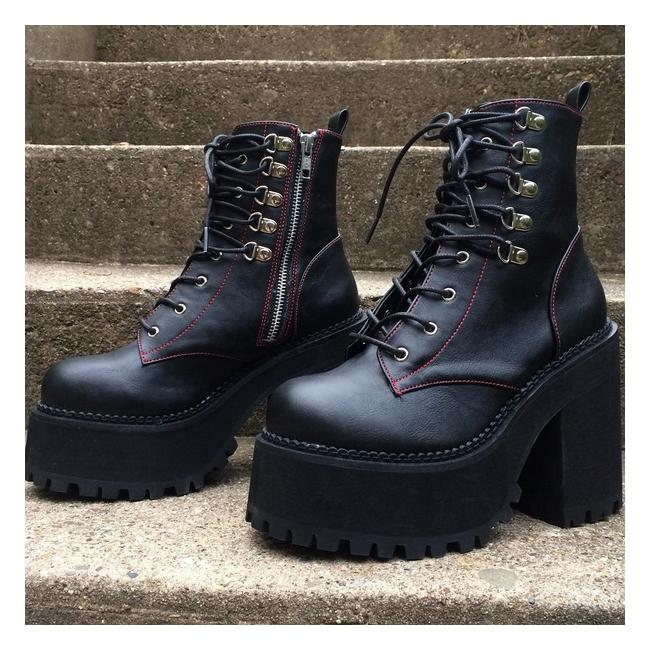 Demonia Assault 100 Women S D Ring Gothic Platform Boots